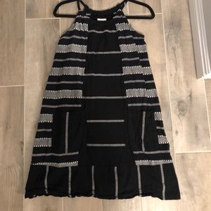 Old Navy black and white dress with pockets